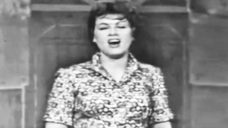 Old-Fashioned Footage Shows Patsy Cline Yodeling The Classic 'San Antonio Rose' | Classic Country Music Videos