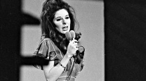 The Secret Life Of Bobbie Gentry & How She Vanished