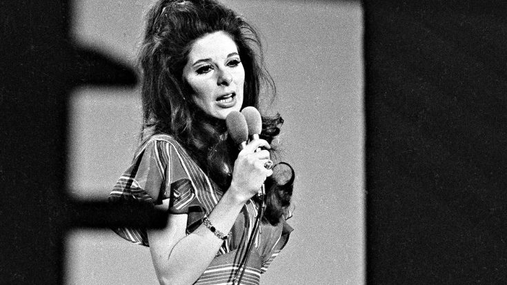 Bobbie Gentry Seen In 2014 Photograph – First Time Since Vanishing 32 Years Before | Classic Country Music Videos