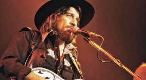 Waylon Jennings Captures Spirit Of The 'Good Ol' Boys' In 'The Dukes Of Hazzard' Theme