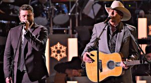 "Alan Jackson & Chris Young's Heavenly ""New Kid In Town"" Is The Christmas Duet You Can't Miss"