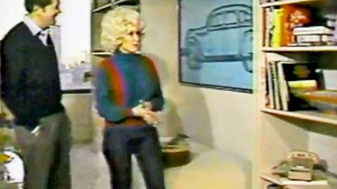 Inside Dolly Parton's 1980s New York Penthouse | Classic Country Music Videos