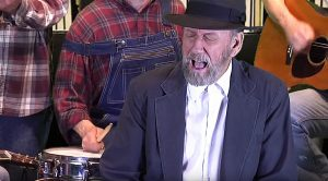 """Ray Stevens Puts His Own Twist On """"Unchained Melody"""""""