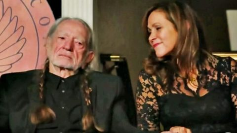 """Seven Spanish Angels"" Tribute Leaves Willie Nelson Fighting Back Tears 