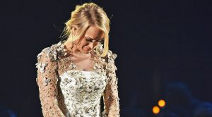 Carrie Underwood Breaks Down Crying During Heart-Melting Song For Vegas Victims