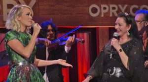 "Carrie Underwood Joins Crystal Gayle For ""Don't It Make Your Brown Eyes Blue"" Duet"