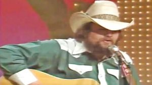 Charlie Daniels Sings 'Long Haired Country Boy' On 'Pop! Goes The Country' In 1975