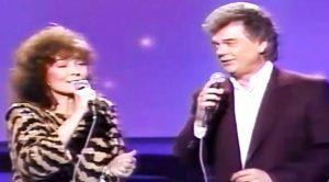 Conway Twitty & Loretta Lynn Sing 'Making Believe' On TV In 1987