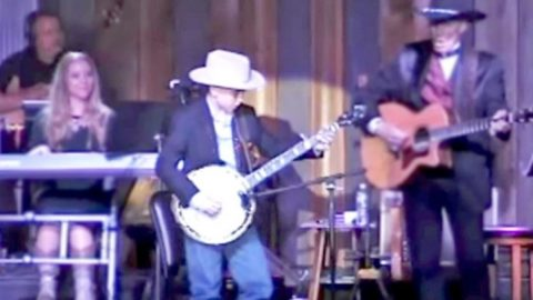 10-Year-Old Boy Performs 'Foggy Mountain Breakdown' On Banjo | Classic Country Music Videos