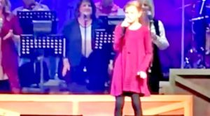 Ventriloquist Darci Lynne Farmer Drops Jaws Singing 'Blue Moon Of Kentucky'