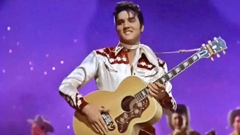 """Ladies Scream As Elvis Sings """"Teddy Bear"""" In 1957   Classic Country Music Videos"""
