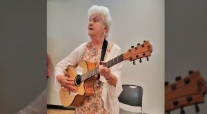 Spunky 90-Year-Old Grandma Rewrites 'I Fall To Pieces' And Dedicates It To Senior Citizens
