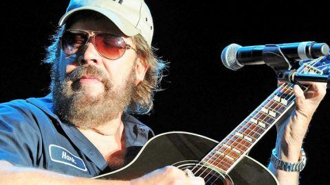 Waylon Jennings & Johnny Cash Honored By Hank Jr. In Acoustic Tribute | Classic Country Music Videos
