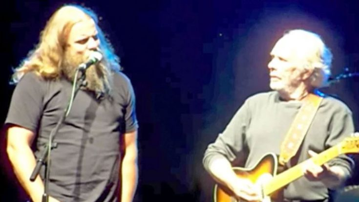Merle Haggard Invites Jamey Johnson To The Stage For Duet To 'Long Black Veil' | Classic Country Music Videos