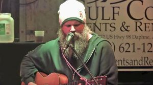 Jamey Johnson Sings Patsy Cline's 'I Fall To Pieces' During Festival In 2014