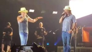 Kenny Chesney & Kid Rock Sing 'You Never Even Called Me By My Name' At 2016 Detroit Show