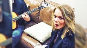 LeAnn Rimes Sings 'You Never Even Called Me By My Name' Backstage At Texas Show
