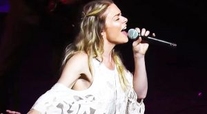 LeAnn Rimes Sings Cover Of 'Me And Bobby McGee' At Live Show In 2016