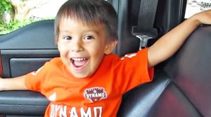3-Year-Old Sings His Favorite Conway Twitty Song, 'That's My Job'