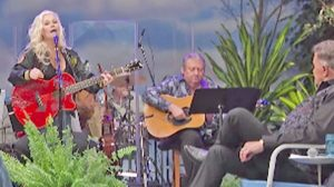 """Lorrie Morgan Performs Heartbreaking """"A Picture Of Me"""" For Room Full Of Country Legends"""