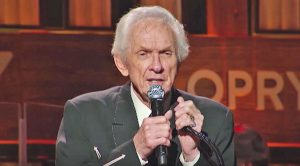 """Mel Tillis Sings """"The Arms Of A Fool"""" In What Would Be His Final Opry Performance"""