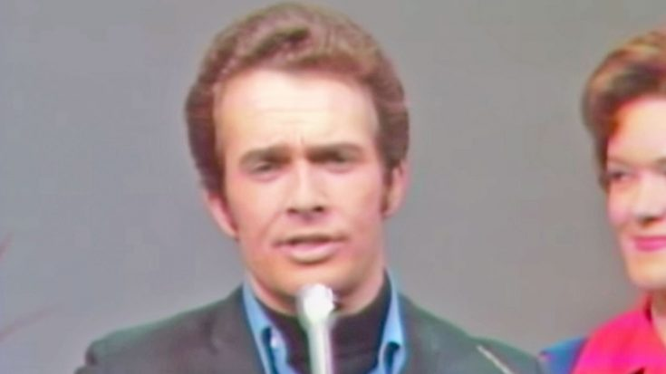 Young Merle Haggard Sings 'Okie From Muskogee' In Early Performance | Classic Country Music Videos
