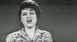 Patsy Cline Sings 'Fall To Pieces' In Last Ever Televised Performance