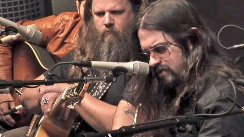 Shooter Jennings Gracefully Honors His Father Through Cover Of His 'Favorite' Song | Classic Country Music Videos
