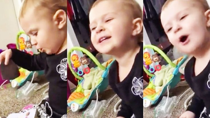 Mom Catches Toddler Daughter Singing Dolly Parton's 'Jolene' | Classic Country Music Videos