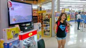 Girl Walks Up To Karaoke Machine & Performs Dolly Parton's 'I Will Always Love You'