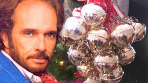 """Merle Haggard Celebrates The Holidays With 1973 """"Silver Bells"""""""
