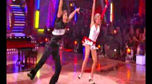 """Julianne & Derek Hough Ignite The Crowd With Flaming """"Great Balls of Fire"""" Dance"""