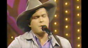 Garth Brooks' Passionate Performance Of 'If Tomorrow Never Comes' Will Melt Your Heart