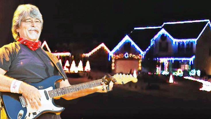 Christmas Lights Synced To 'Christmas In Dixie' Is Absolutley Breathtaking | Classic Country Music Videos