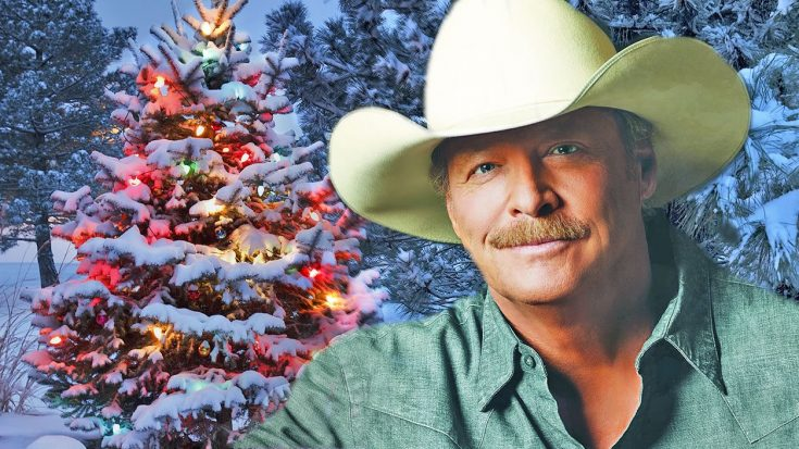 Alan Jackson Brings Wife And Daughters On Stage For Special Performance Of 'Let It Be Christmas' | Classic Country Music Videos