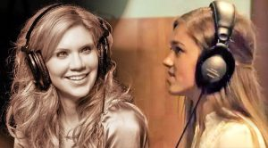 Sadie Robertson Performs Heavenly 'Away In A Manger' Duet With Alison Krauss