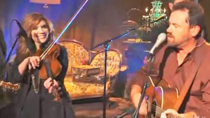 Alison Krauss Teams With Union Station For Toe-Tappin' 'Man Of Constant Sorrow' | Classic Country Music Videos
