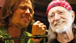 Willie Nelson's Son Lukas Performs 'Always On My Mind' During 2013 Jam Session