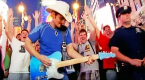 Brad Paisley Kicks Off New Year With Reflective Song 'Welcome To The Future'