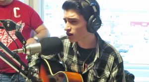 16-Year-Old Sounds Just Like Elvis Presley In 'Blue Christmas' Cover