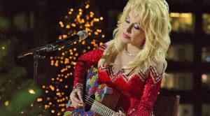 Dolly Parton Chills Rockefeller Center With Remarkable 'Christmas Of Many Colors'