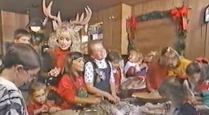 Dolly Parton Sings 'Rudolph The Red-Nosed Reindeer' With Her Nieces And Nephews