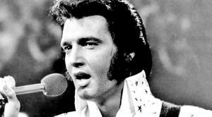 Rare Recording: Elvis Presley Rings In His Last New Year With 'Auld Lang Syne'