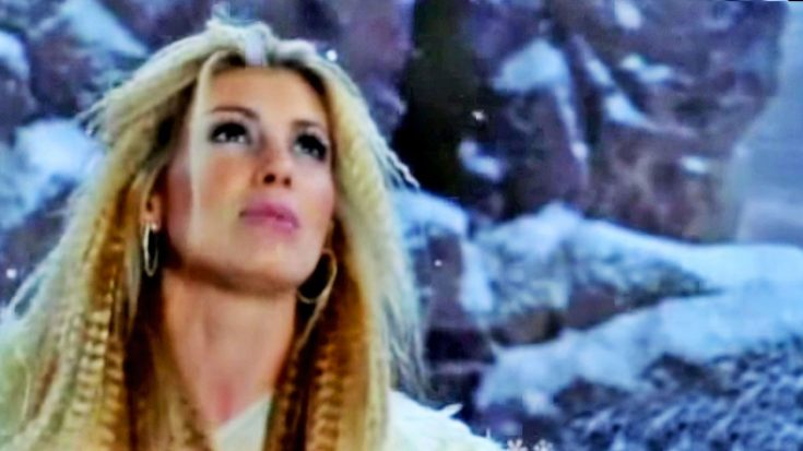 Where Are You Christmas.Faith Hill Begs For Holiday Cheer In Beautiful Where Are