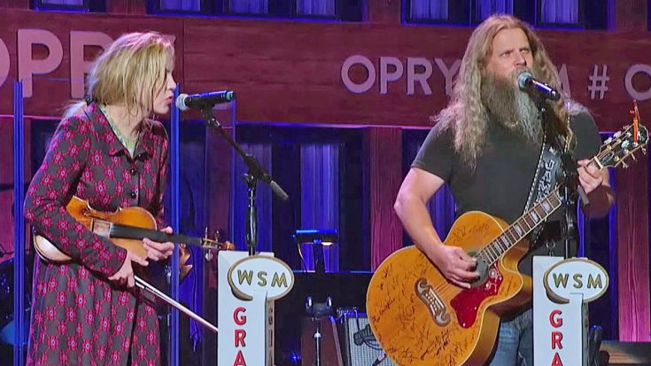 "Jamey Johnson & Alison Krauss Team Up To Sing The Carter Family Song ""My Dixie Darlin'"" 