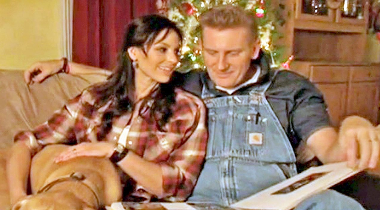 Joey + Rory Get Emotional In Original Song \'It\'s Christmas Time ...