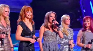 Leading Ladies Of Country Teamed Up For Iconic Performance Of 'Coal Miner's Daughter'