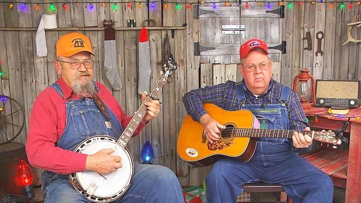 Bluegrass Men Hysterically Sing About Embarrassing 'Itch' They Accidentally Gave Santa | Classic Country Music Videos