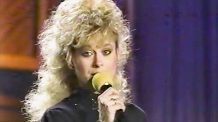 """Lorrie Morgan Sings Patsy Cline's """"Walkin' After Midnight"""" On """"Nashville Now"""" 