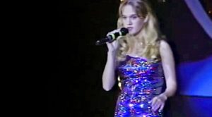 14-Year-Old Carrie Underwood Dazzles Crowd With Martina McBride's 'A Broken Wing'